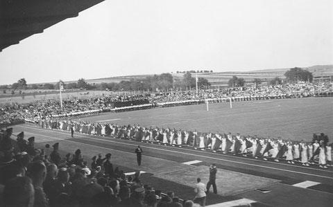 Einweihung des Willy-Sachs-Stadions 1936 - Danke an Holger Meyer