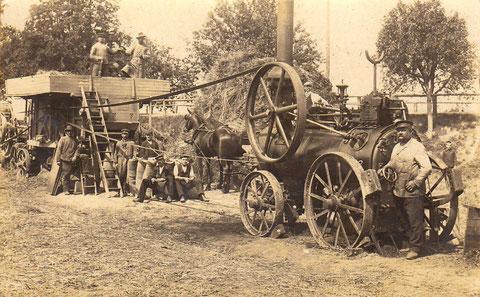 Schonungen? - Dampf-Dreschmaschine im Jahr 1909 - diese Postkarte wurde aus Schonungen versandt