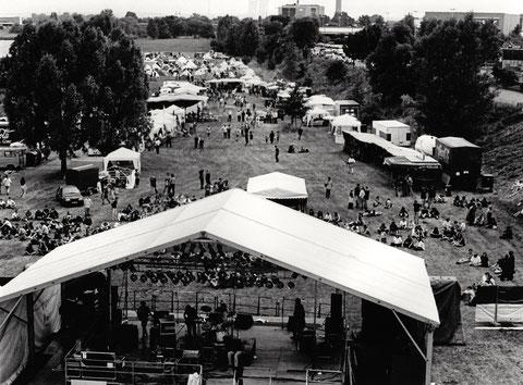 """Monsters of Rock auf den Mainwiesen - 27. August 1988 -    Hier der Aufbau ein oder zwei Tage zuvor - Oder """"Umsonst und draußen?"""""""