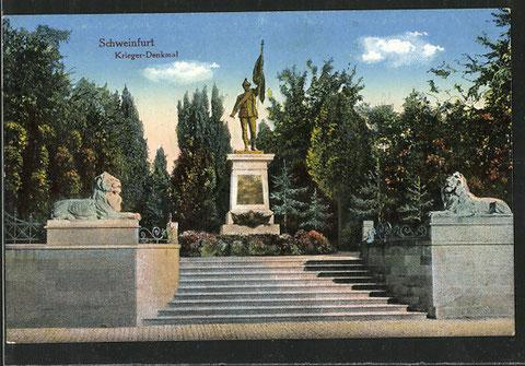 Das Kriegerdenkmal auf kolorierter Postkarte