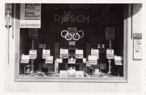 Schaufenster 1936 zur Olympiade - Spitalstraße 30 (damals Ad.-Hitl.-Straße)