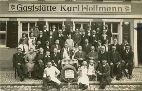 Bauerngasse 65 Gaststätte Karl Hoffmann Bauerngasse Jubel-Schlachtschüssel des Stammtisches 1930