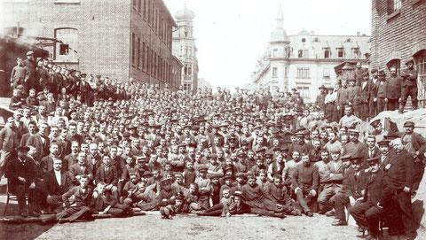 Belegschaft Fichtel & Sachs (Schweinfurter Präzisions-Kugellagerwerke) im Jahr 1903