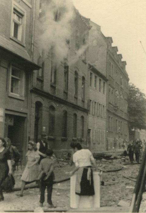 Apostelgasse 1944 nach Luftangriff
