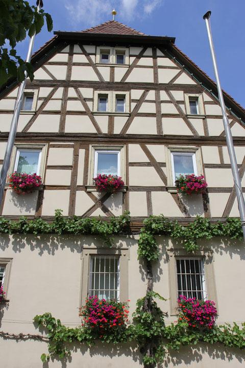 Seitenansicht Rathaus (Westgiebel)