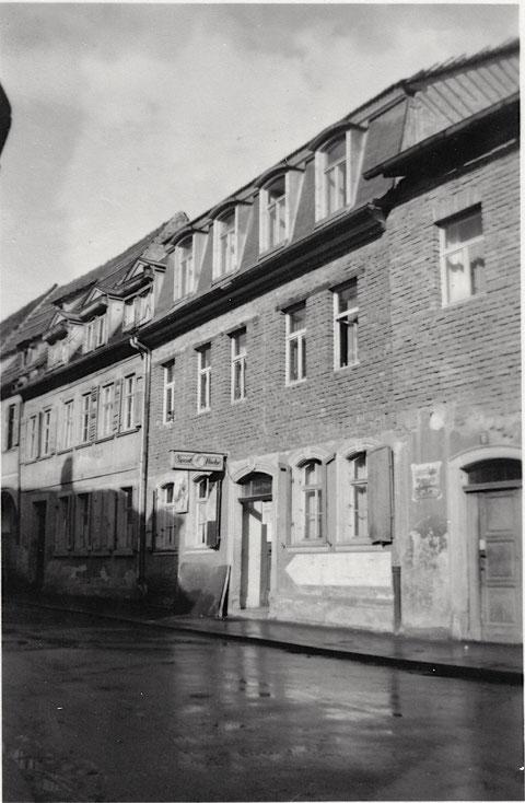1948 - Burggsasse 15 - damaliger Sitz der Fa. Sport Fliehr (später Albrecht-Dürer-Platz) - Dank an Frau Ingrid Metz aus Schonungen