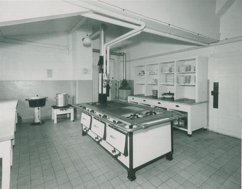 Küche in der Reichsbahnkantine 1940