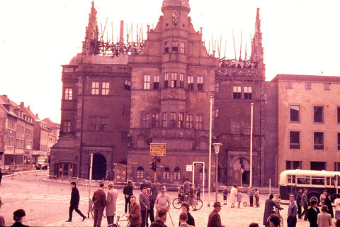 Nach dem Rathausbrand 1959