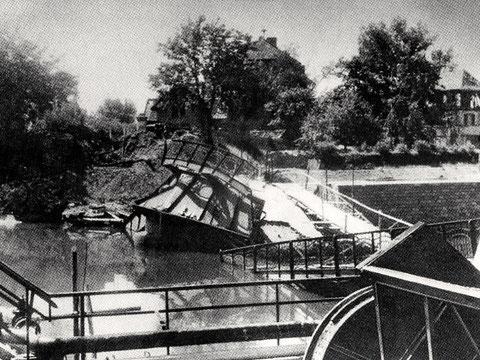 Zerstörte Maxbrücke