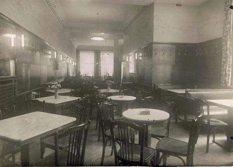 Innenansicht Cafe Wien 1938
