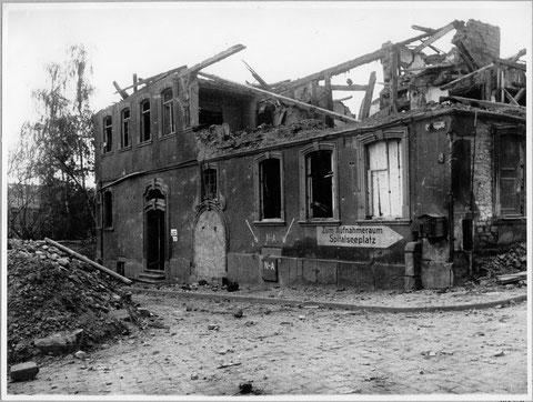 Hinweisschild zum Spitalseebunker am einstigen Lebküchnerhaus, das an der Neutorstraße innerhalb der Stadtmauer stand