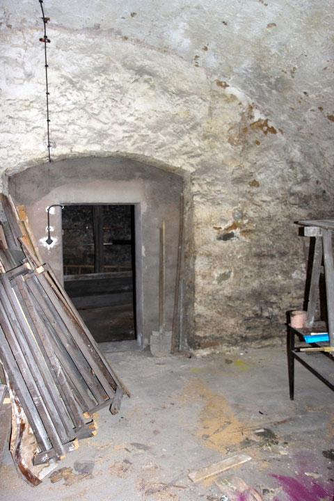 Blick von Keller 2 in Keller 1