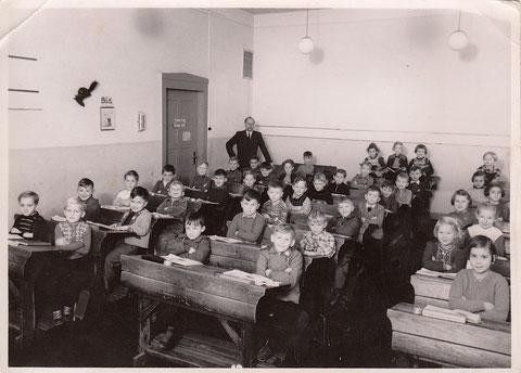 Friedenschule (Ludwigschule) 1953 - Lehrer: Georg Hofmann