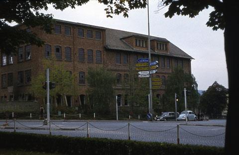 Kartonagenfabrik Almis - auch Schachtelbude genannt