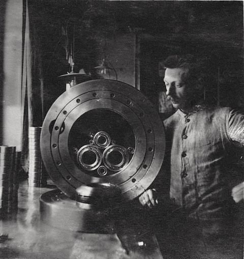 Versandkontrolle bei Georg Schäfer sen. 1914 (ebenfalls die beiden nachfolgenden Fotos)