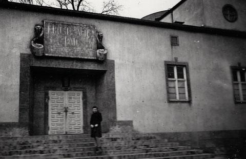 Eingang des Ernst-Sachs-Bades ca. 1939