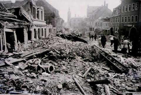 Wolfsgasse  April 1945
