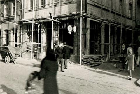 Obere Straßé 2 1946, zerstört beim letzten Bombenangriff am 10. April 1945, hier Wiederaufbau 1946