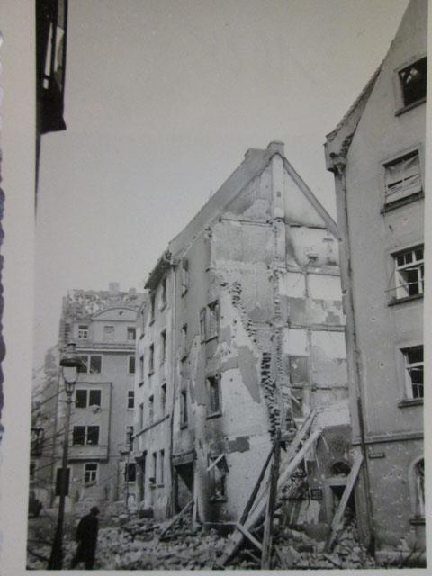 Friedenstraße 20 nach einem Bombenangriff der Alliierten - Danke an Bertram Schulz, Stadtarchiv Gerolzhofen