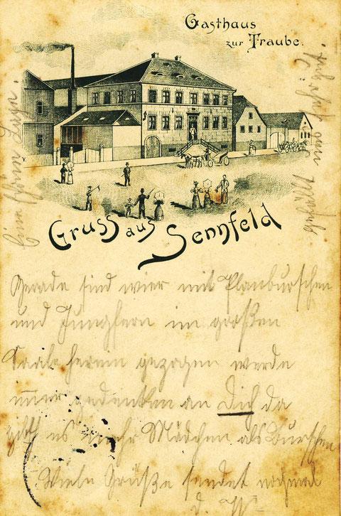 Das Gasthaus zur Traube (hier im Jahre 1899) wurde erstmalig 1614 urkundlich erwähnt und war damit das älteste Gasthaus in Sennfeld. Der Betrieb wurde 1963 eingestellt. Heute steht das Haus leer