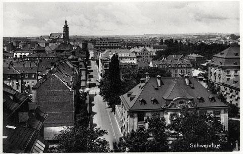 Blick durch die Friedenstraße - im Hintergrund die alte Kilianskirche, die im Zweiten Weltkrieg zerstört wurde