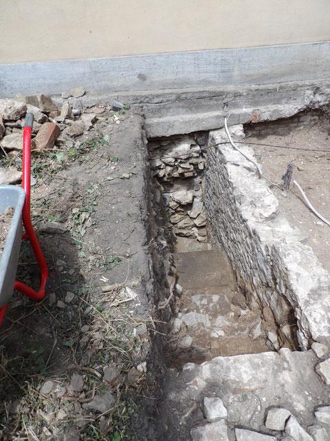 Der Zugang von außen zu vorstehendem Foto wurde bei Ausgrabungen 2016 freigelegt