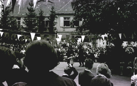 Plantanz 1966 - Herzlichen Dank an Wilhelm Hobner, heute Augsburg
