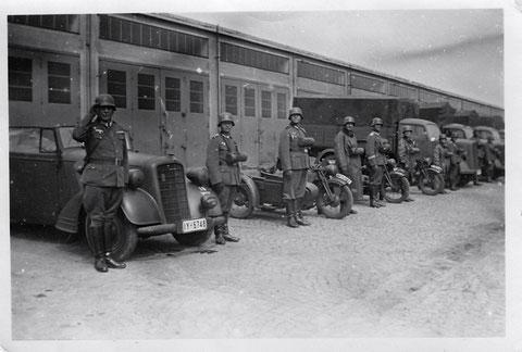 In der Kaserne Anfang der 1940er