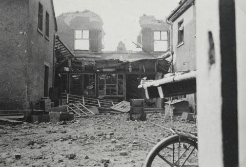 Der Saalbau nach einem Bombenangriff im Zweiten Weltkrieg - Danke an Thoams Horling