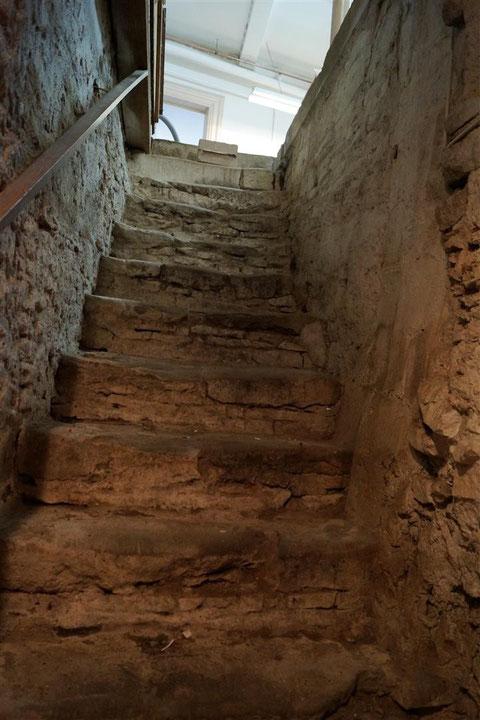 Foto: Hans Hatos - Abgang in den großen Keller