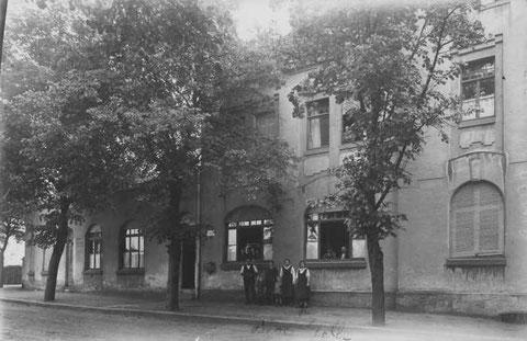 Schweinfurter Straße 1 (bis ca. 2006 Diskothek Eastside) ca. 1910