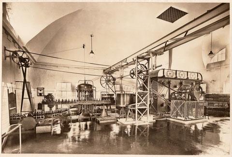 """1926 - es wurde eine """"hochmoderne"""" Flaschenfüll-Anlage für 4200 Flaschen Stundenleistung eingebaut (Baujahr 1921/22)"""