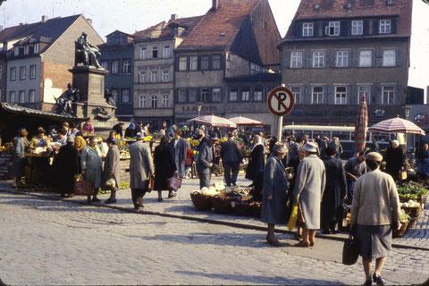 Foto: Franz Schwalb Der Marktplatz im April 1960