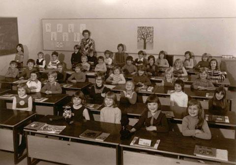 1. Klasse Gartenstadtschule 1974/1975 Lehrerin: Frau Schüll - danke an Christiane Götz