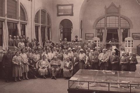 Der Stadtrat der Stadt Schweinfurt zu Besuch im Germanischen Museum in Nürnberg ca. 1929 - Danke an Klaus Hoffmann