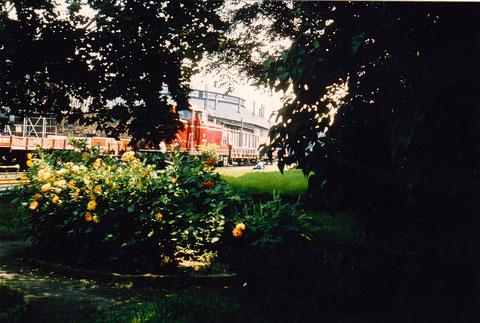 Platz hinter dem Lokschuppen und dem Verwaltungsgebäude