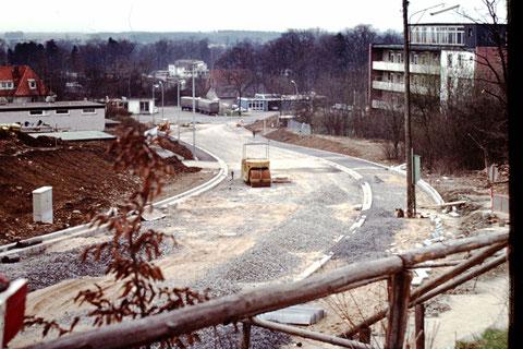 Bau der Hennebergstraße 1972 - Danke an Christel Feyh - Fotograf: Helmut Feyh