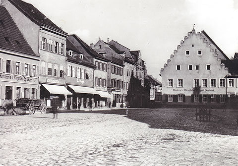 Der Kornmarkt mit Bäckerei und Weinstube Seubert um 1910