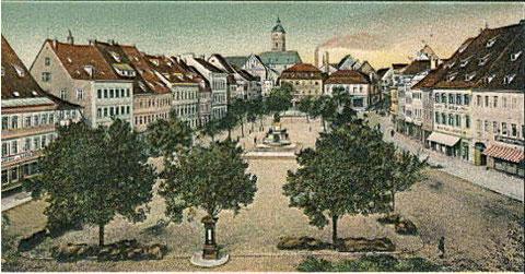 Der Marktplatz vom Rathaus gesehen im Jahre 1903