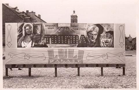 Kinowerbung auf dem Marktplatz 1949 für den Film Tromba im Luli-Palast
