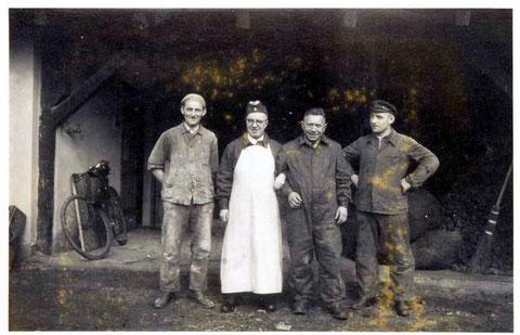 Zweiter v. links, Herr Uhlenhuth (Fotograf u. Fotogeschäft Schweinfurt)