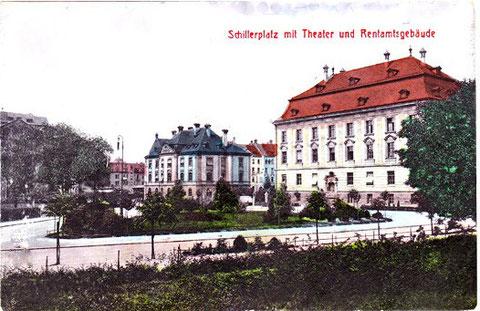 Schillerplatz mit Theater und Rentamtsgebäude