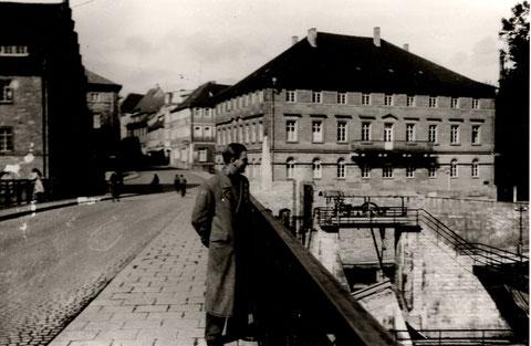 Auf der Maxbrücke in den 1930ern; Blick in die Brückenstraße