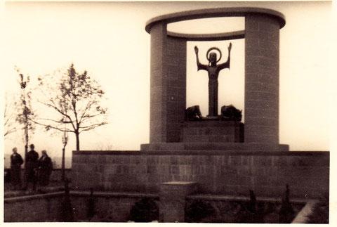 Das Grab der Familie Sachs im Hauptfriedhof - 1935