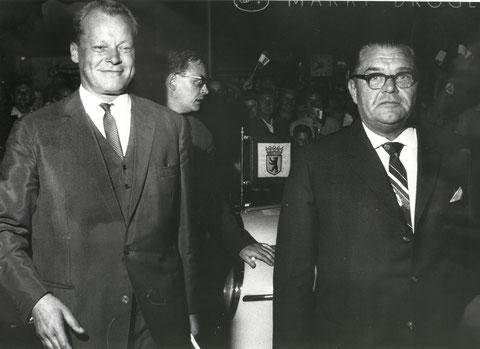 rechts: Walter Langebeck