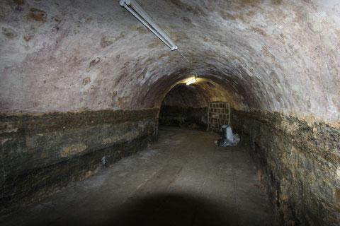 Der untere Gewölbekeller - von Treppeneingang aus gesehen