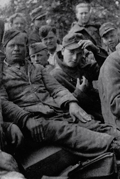 Russische Hilswillige, meist Weißrussen oder Ukrainer