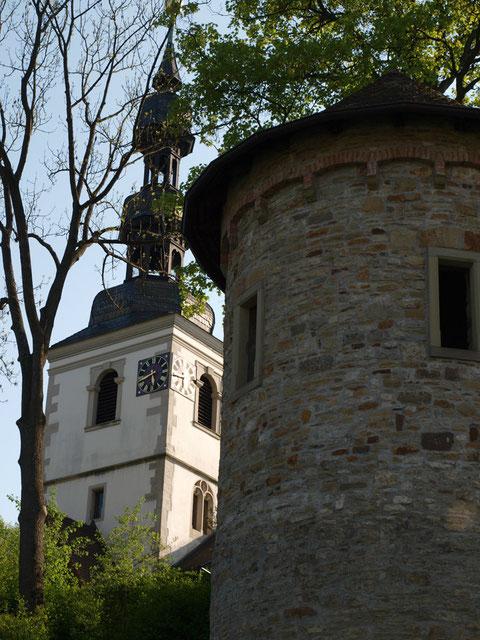 St. Salvator und Stadtturm am Unteren Wall