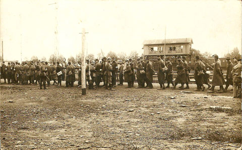 1914 - gefangene französische Soldaten werden in Schweinfurt verpflegt