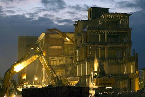 Abriss der SKF-Fabrikhallen in der Schrammstraße